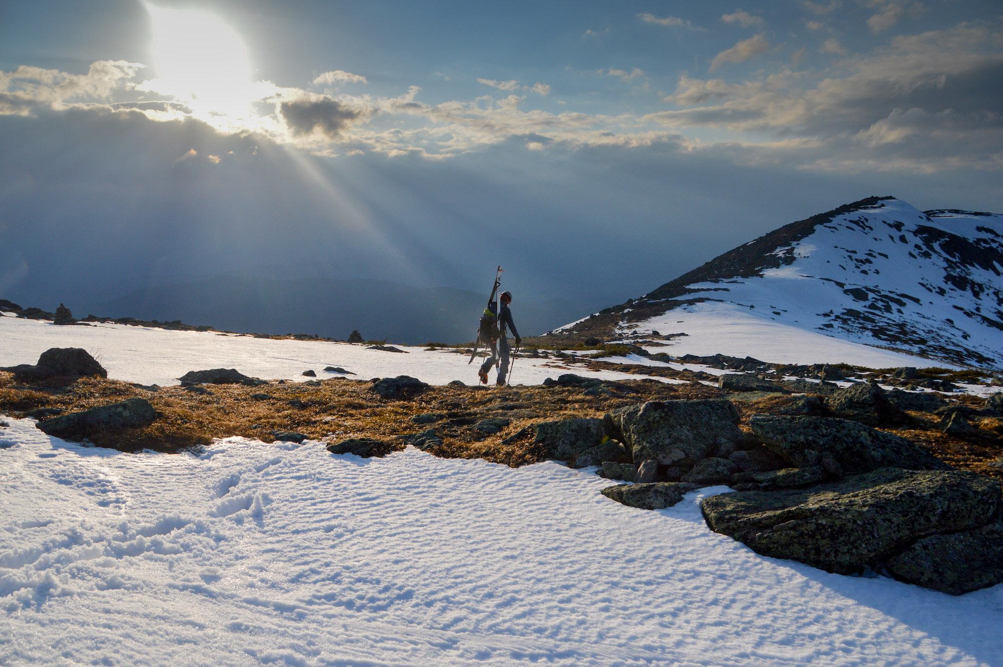 Marche sur la crête proche du mont Clay