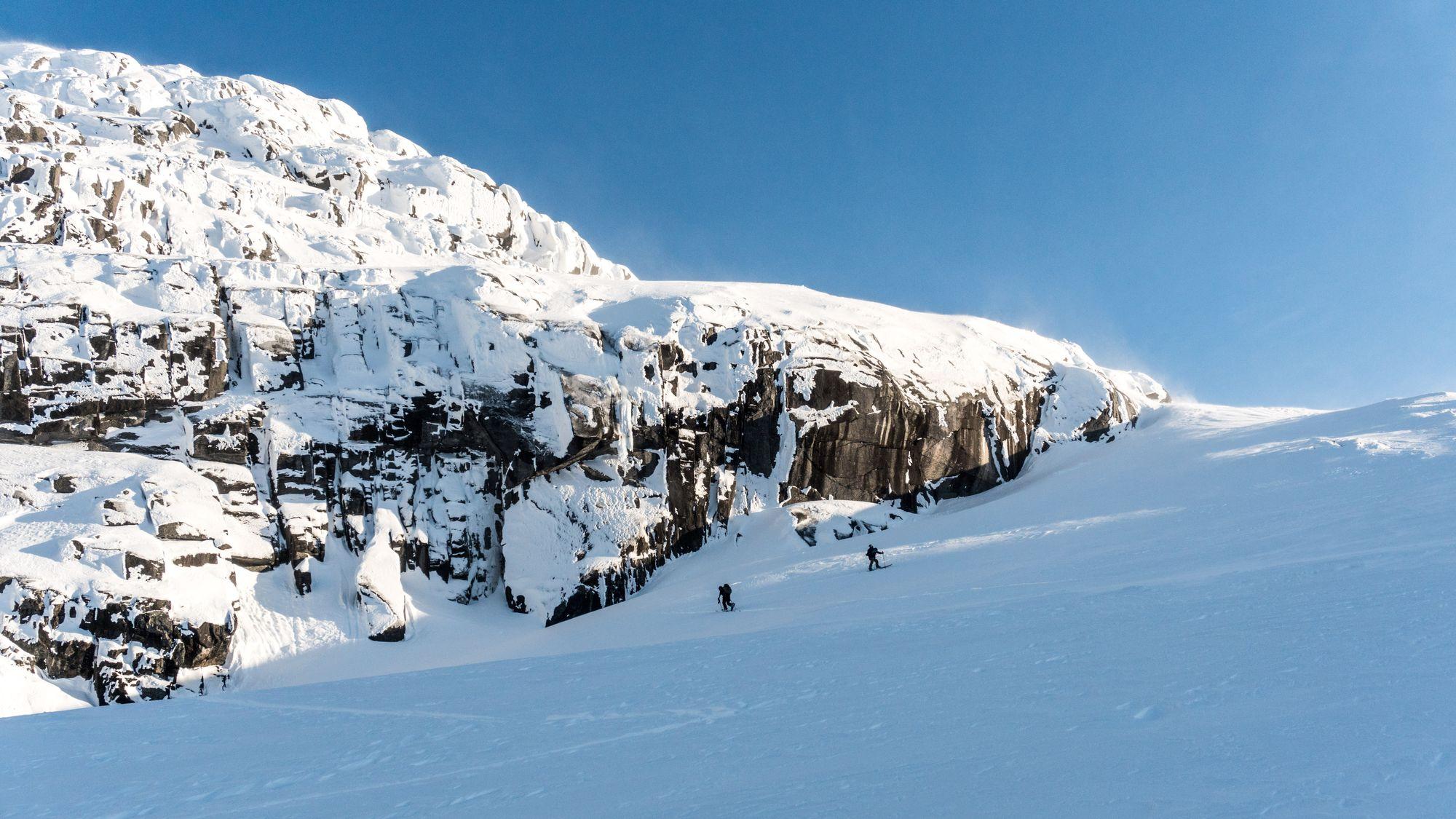 Ski hors-piste dans les monts Mealy au Labrador